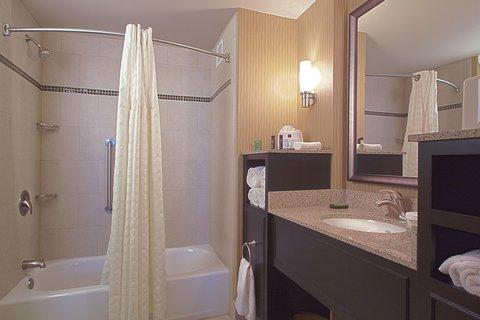 Embassy Suites Columbus - Airport - Bathroom