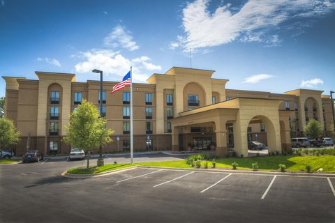 Hampton Inn and Suites Pensacola/Gulf Breeze - Gulf Breeze Hotel Exterior