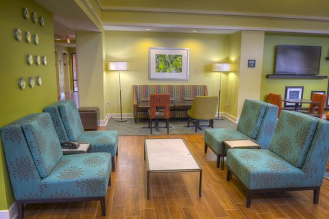 Hampton Inn and Suites Pensacola/Gulf Breeze - Lobby Seating