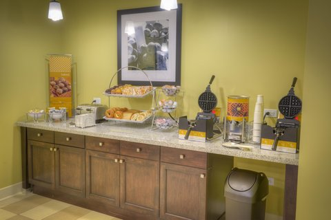 Hampton Inn and Suites Pensacola/Gulf Breeze - Pastry Waffle Bar