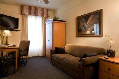 City Suites Hotel - Sitting Area Suites