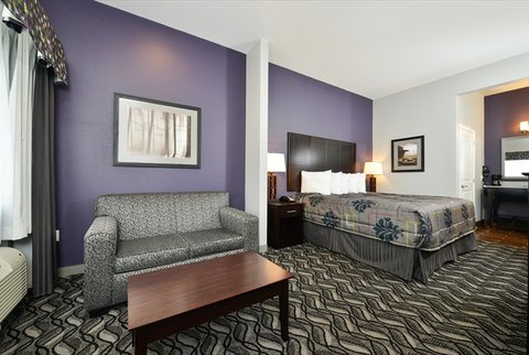 Belmont Inn and Suites - Belmont Innand Suites Tatum TXBed