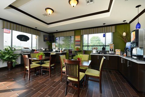 Belmont Inn and Suites - BelmontInnandSuites Tatum TX Breakfast area 3
