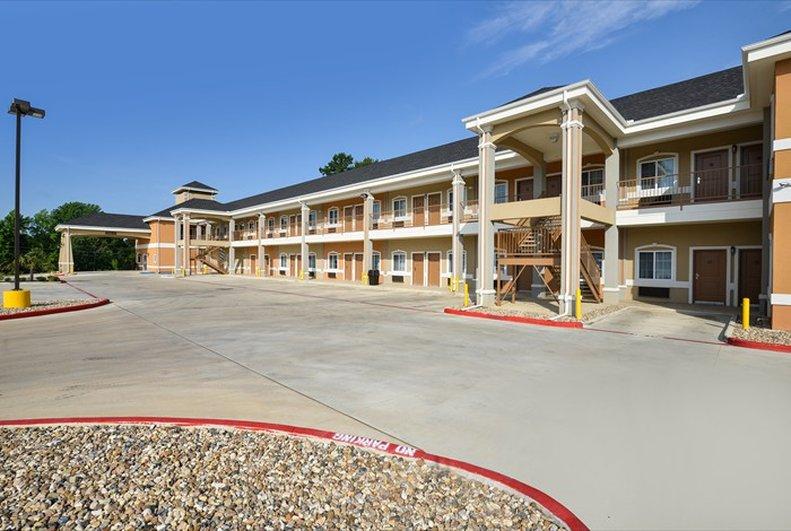 Belmont Inn & Suites - Tatum, TX