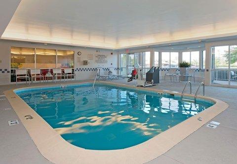 Fairfield Inn Bloomington - Indoor Pool
