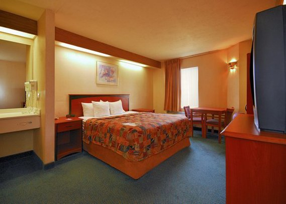 Econo Lodge-Colorado Springs - Colorado Springs, CO