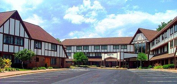 English Inn - Charlottesville, VA