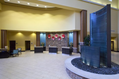 Embassy Suites Columbus - Airport - Lobby with fountain