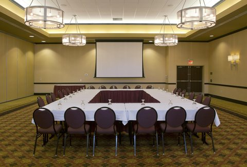 Embassy Suites Columbus - Airport - Meeting room with screen