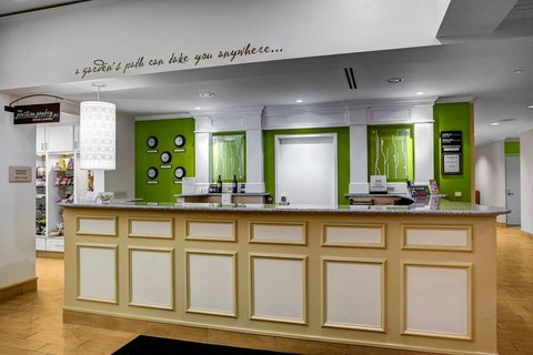 Hilton Garden Inn Danbury Hotel - Reception Desk