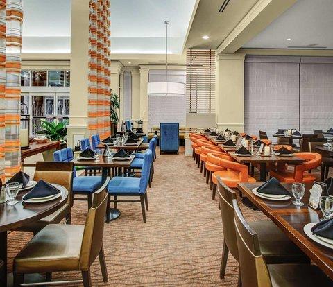 Hilton Garden Inn Danbury Hotel - Dining Area