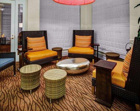 Hilton Garden Inn Danbury Hotel - Lobby