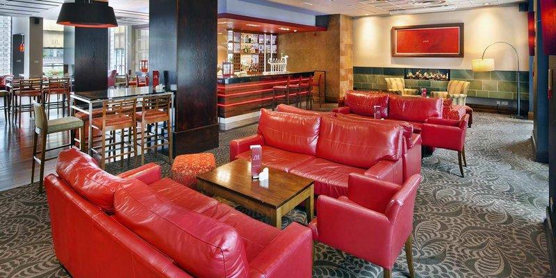 Hilton Dublin hotel 酒吧/休息厅