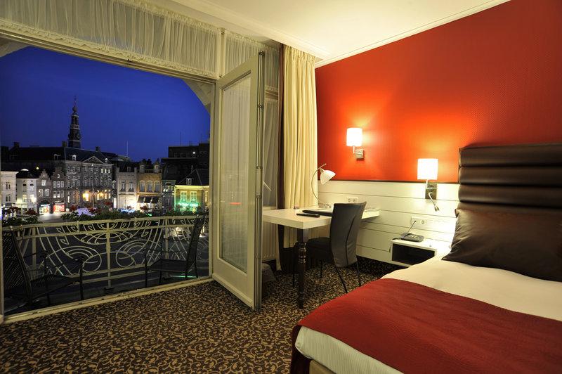 Golden Tulip Hotel Central Vista de la habitación