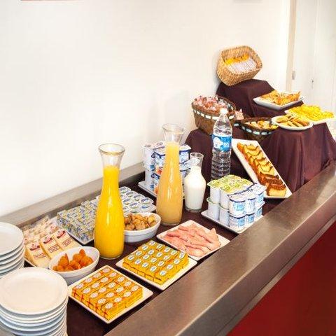 Kyriad Colmar Cite Administrative - Buffet Restaurant