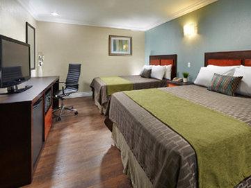 American Inn at Downey Kaiser - Qq