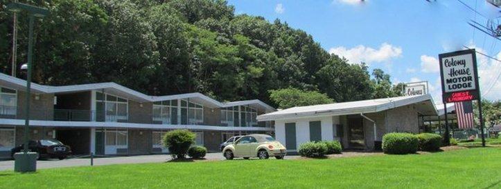 Colony House Motor Lodge - Roanoke, VA