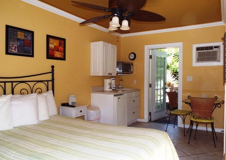 Haley's Motel - Bradenton Beach, FL