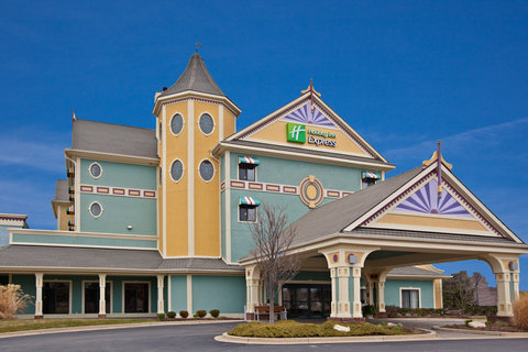 Holiday Inn Express HOLLAND - Hotel Exterior