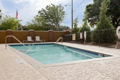 Hampton Inn and Suites Pensacola/Gulf Breeze - Outdoor Pool