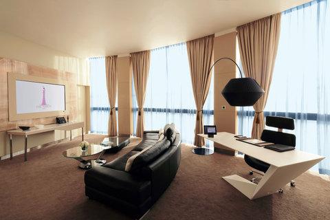الشعلة الدوحة - Diplomatic Living Room