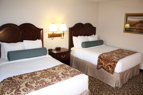 Best Western Plus Inn At The Vines - Two Doubles Guest Room