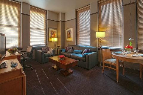 The Magnolia Hotel Dallas - Suite