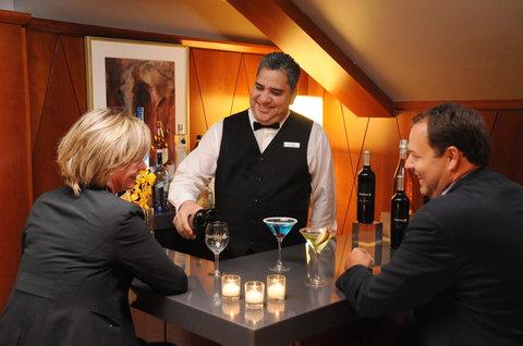 The Magnolia Hotel Dallas - Bar