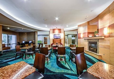 SpringHill Suites Dayton South/Miamisburg - Breakfast Seating Area