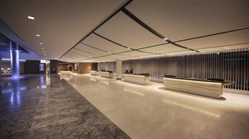 Hyatt Regency Chicago - Lobby