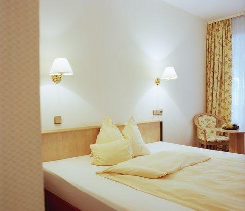 Hotel Rheinterrasse Benrath - Room