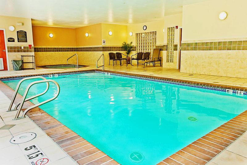 Holiday Inn Express BOTHELL - West Newbury, MA