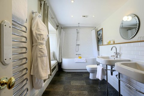The Ickworth Hotel - Grace Bathroom