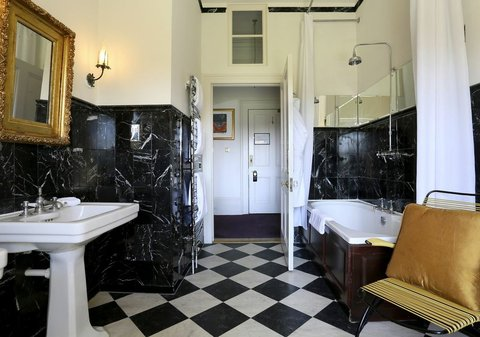 The Ickworth Hotel - Lady Liz Bathroom