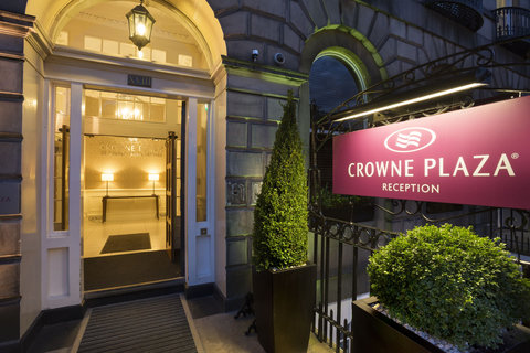 Crowne plaza edinburgh royal terrace first class for 55 buckstone terrace edinburgh