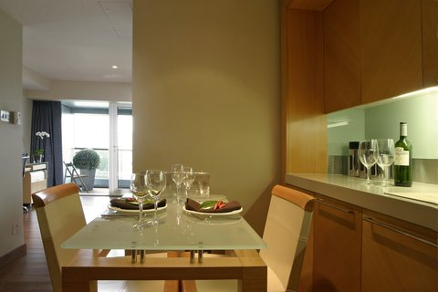 Plaza on the River, London - Two Bedroom Suite With Balcony