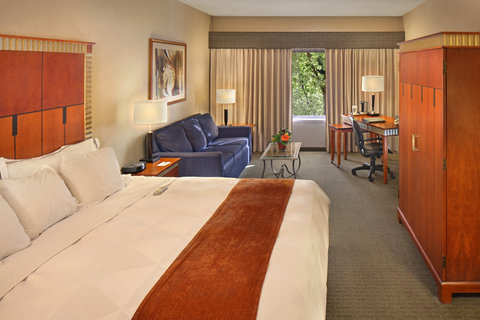 Radisson Hotel Detroit-Bloomfield Hills - guest room