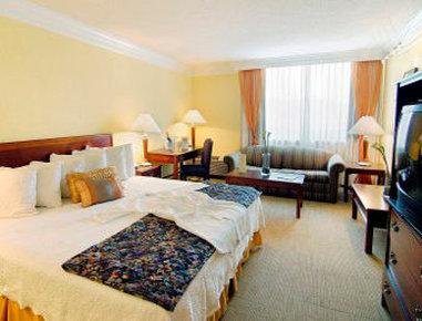Senate Luxury Suites