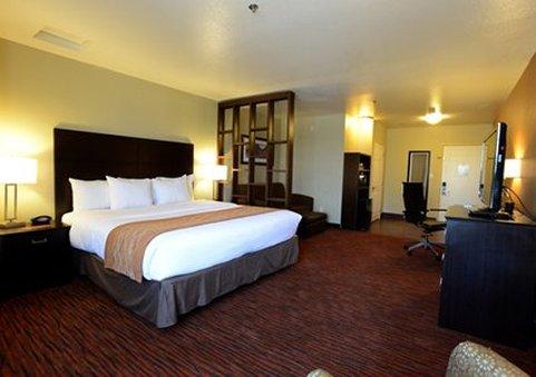 Comfort Suites - Clovis, CA