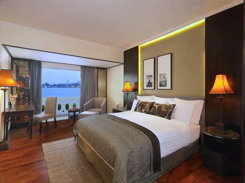 Anantara Bangkok Riverside Resort and Spa - Deluxe Premier Riverfront Room