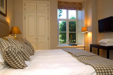 Dartington Hall Hotel - Guest Room