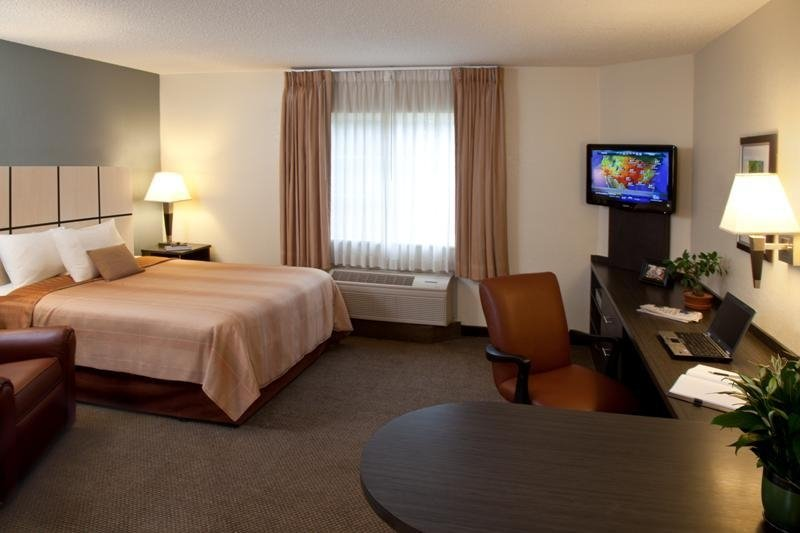 Candlewood Suites-Cleveland-N - North Olmsted, OH