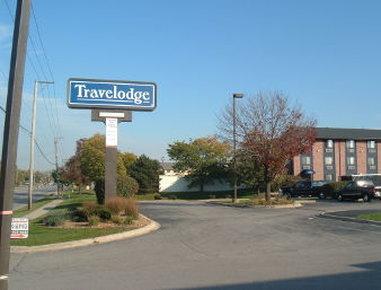 Baymont Inn & Suites OHare/Elk Grove Village Vista exterior
