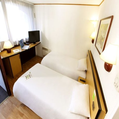 Campanile Cholet - Twin Room