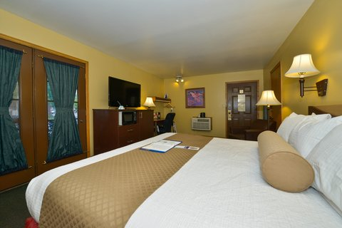 BEST WESTERN PLUS Rio Grande Inn - Deluxe King Guest Room with Balcony