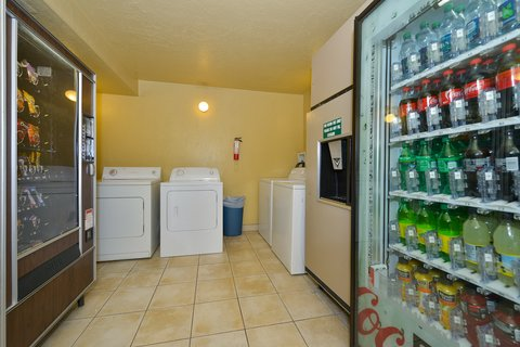 BEST WESTERN PLUS Rio Grande Inn - Guest Laundry and Vending
