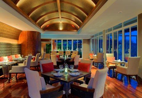 Radisson Blu Plaza Resort Phuket Panwa Beach - Restaurant