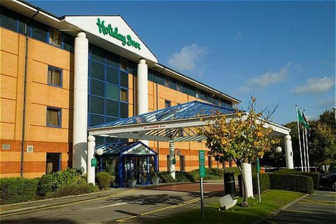 Holiday Inn Warrington Dış görünüş