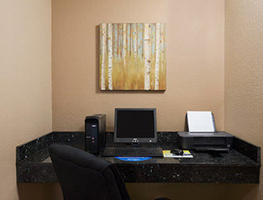 Days Inn & Suites Gunnison - Business Center