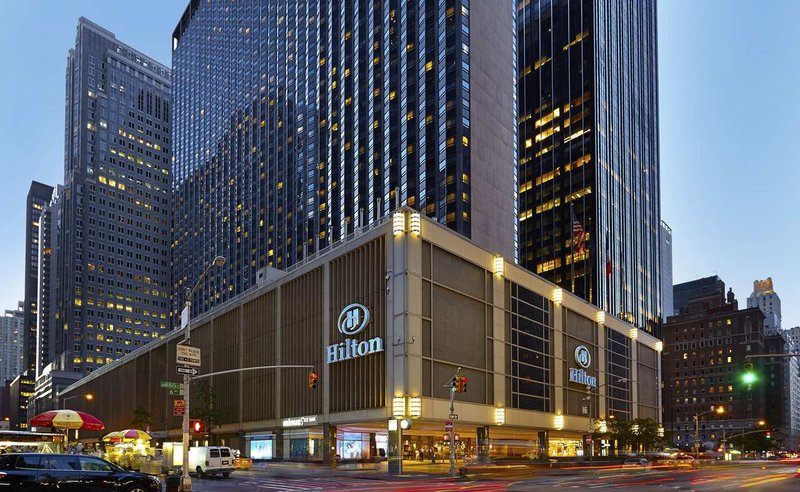New York Hilton Midtown Vista exterior